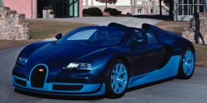 Image copyright of caradvice.com.au, whom I stole the pictures of. Thanks Bugatti for making such a stunning supercar!